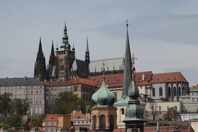 kostel v Praze.jpg