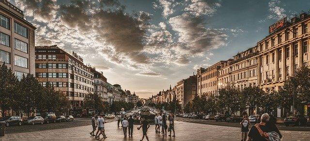 mraky nad Václavákem
